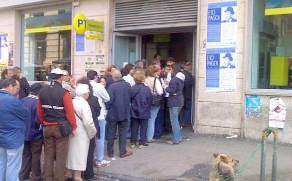 Poste Italia, as organised as anything can be in Italia