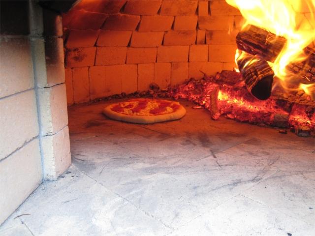 A proper pizza oven