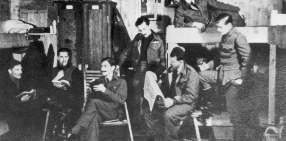 the-great-escape-captured-british-raf-stalag-luft-3-image_0_0